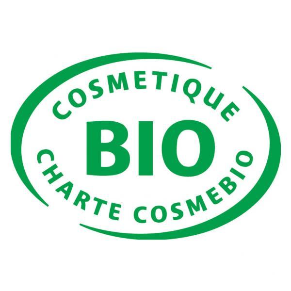 Au minimum : 95% d'ingrédients naturels ou d'origine naturelle. 95% des ingrédients végétaux sont issus de l'Agriculture Biologique. 10% de l'ensemble des ingrédients sont issus de l'Agriculture Biologique