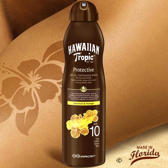 Cette brume protectrice à la texture sèche vous offre un voile indice 10 contre les rayons UVA/UVB du soleil et hydrate votre peau pour la rendre éclatante et lumineuse.