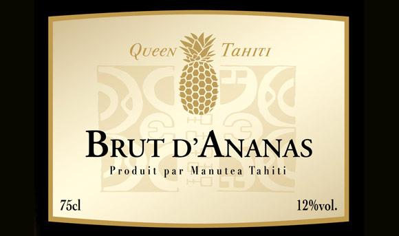 Issu d'une méthode de vinification traditionnelle, le Brut d'Ananas restitue toute la richesse aromatique de l'ananas, sublimée par des notes subtiles de citron et vanille.