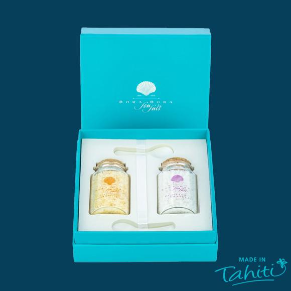 Coffret Duo Sels de Bora Bora Sea Salt : l'un est pur, l'autre parfumé au Gingembre et Curcuma de Tahiti, 100% naturel.