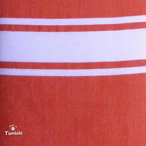 Détail du tissage 100% Coton du modèle présenté.