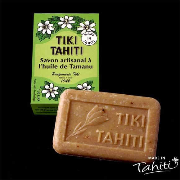 Ce savon artisanal 100 % végétal contient 4% d''huile de Tamanu Tahiti 100 % naturelle, il est fabriqué à Tahiti par La Parfumerie Tiki.